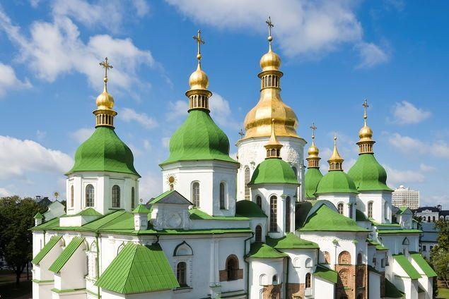 Der perfekte Plan für einen Kurztrip in die Hauptstadt der Ukraine, wo die Dächer golden glänzen, der Himmel leuchtet — und die trotzdem ein Geheimtipp ist