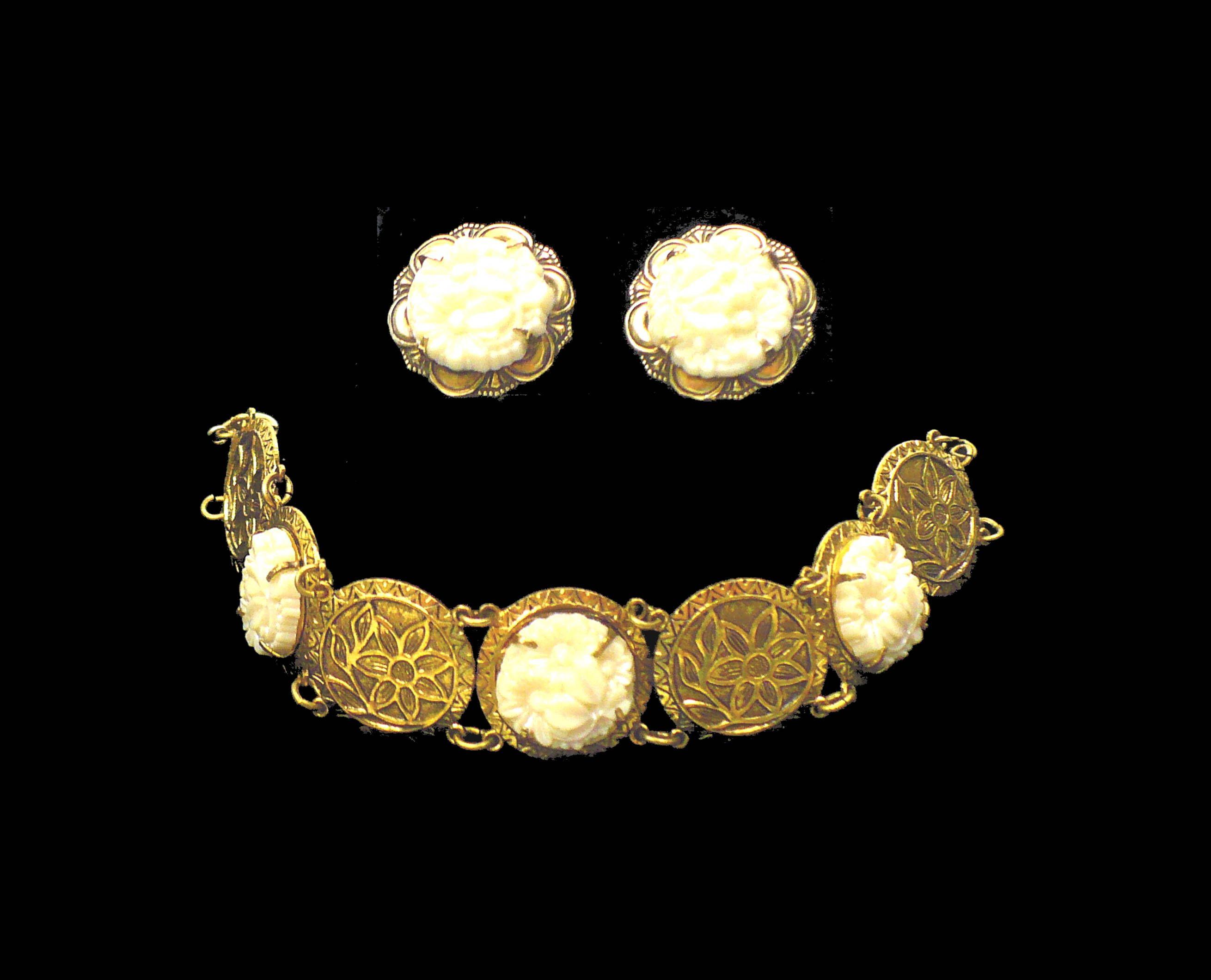 S off white celluloid flowers bracelet u earrings set gold