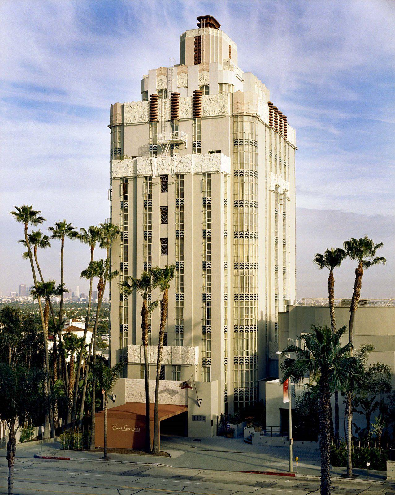Sunset Tower Hotel Los Angeles California Elizabeth Taylor Frank Sinatra And Howard Hughes Were Am Los Angeles Hotels Hotel Sunset Dog Friendly Vacation