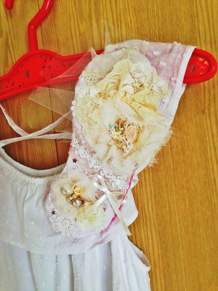 My work..big brooch. Made from lace,organdie,bow,pearl...♥