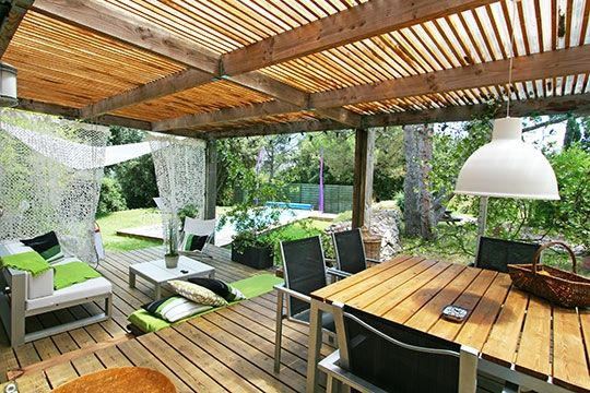 Idée terrasse (toiture) Beautiful homes Pinterest Pergolas - idee de terrasse en bois