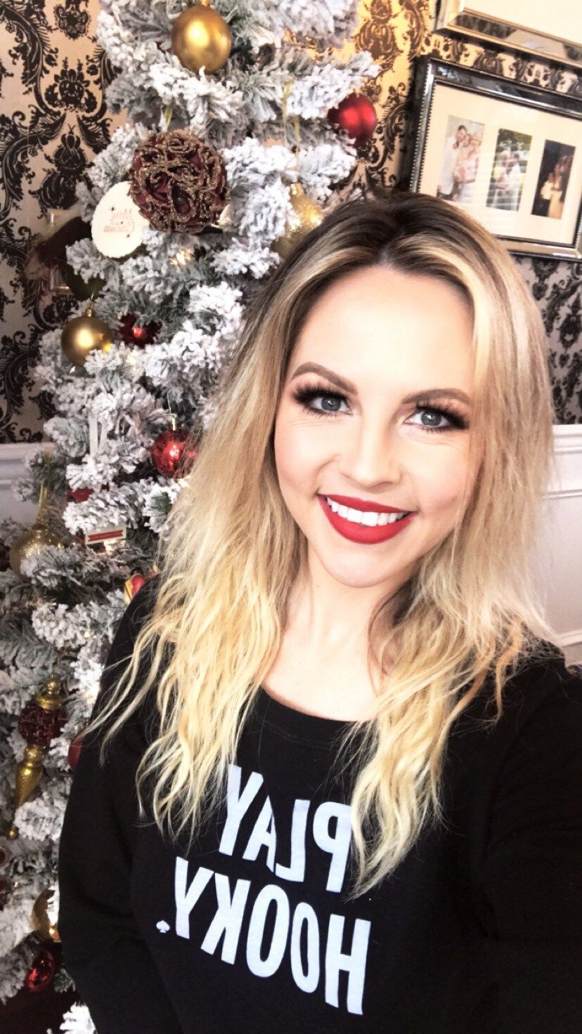Holiday Makeup Look (With images) Holiday makeup looks