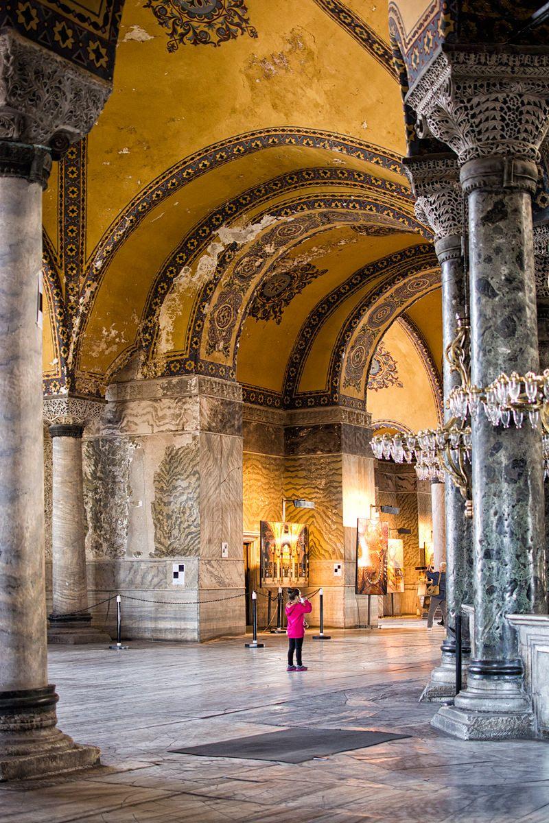 Istanbul S Impressive Mosques Sultan Ahmed And The Hagia Sophia Con Imagenes Estambul Turquia Balcanes