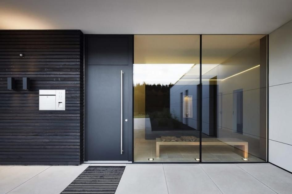 20 sch ne haust ren zeitlos haust r aus metall von josko. Black Bedroom Furniture Sets. Home Design Ideas