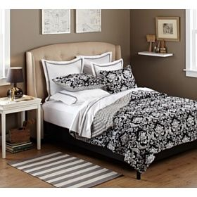Pinzon 100-Percent Cotton Printed Quilt Set :            Pinzon 100-Percent Cotton Printed Quilt Set          View larger          View larger         View larger         View larger   Pinzon's soft, cushy quilt and sham set is reversible, offering beautiful patterns on both sides to give your bedroom a visual pop. One side fea...