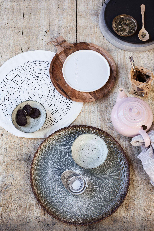 Tafelservies en bestek   Tableware   Photographer Dana van Leeuwen   Styling Anke Helmich   vtwonen shop catalog Autumn 2015
