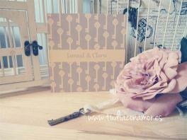 #invitacion de boda de estilo  #vintage con #llaves en tonos mostaza <3 - design by Tu día Con Amor -