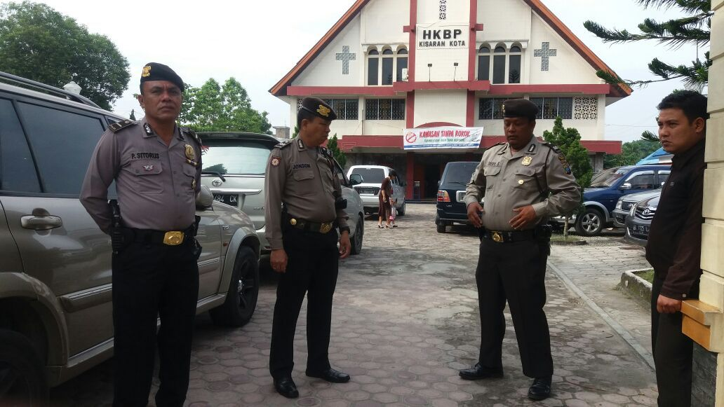 Padal Ipda P Sitorus Beserta Personil Patroli Laksanakan Patroli Di Gereja Hkbp Kota Kisaran Kota Gereja