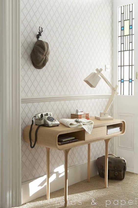 Papel pintado trellis marr n telas papel papel for Papel pintado salon marron