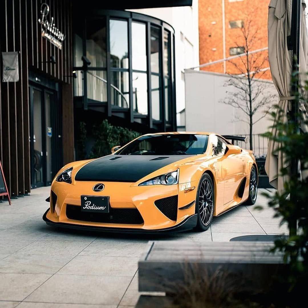 Lexus Lfa Yellow: Lexus LFA V10 Naturally-aspirated 4,8liter 560hp 480nm
