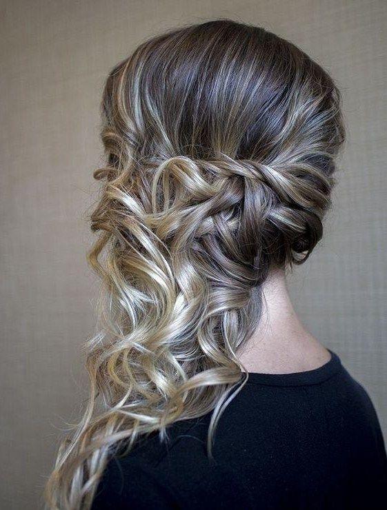 Recogido En Un Lado Para Fiesta Boda Side Ponytail Hairstyles Medium Hair Styles Hair Styles