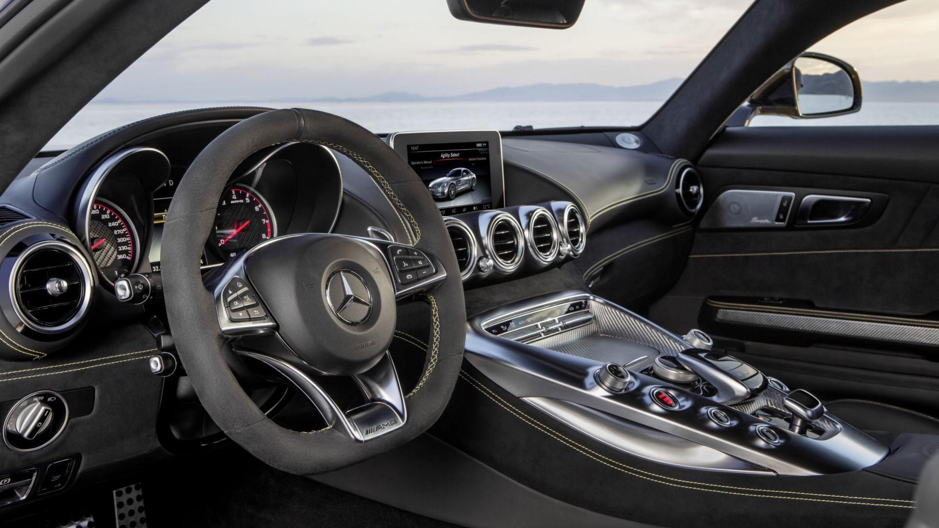 Prova su strada: Mercedes-AMG GT S: il video