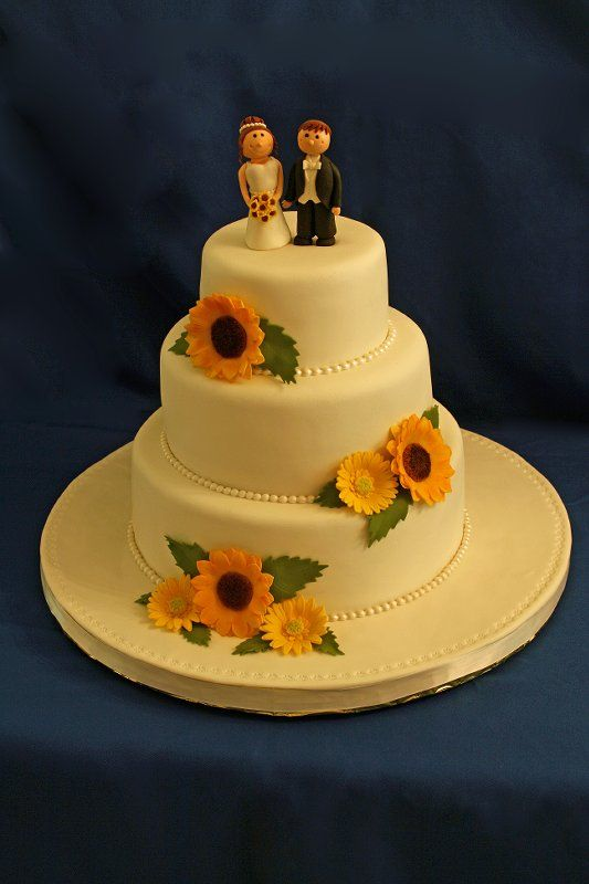 Exactly how I want my cake! Just a different cake topper. Perfect ...