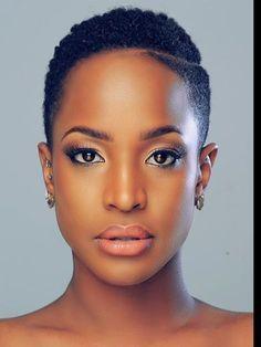 Coupe cheveux court femme afro coiffure afro court en