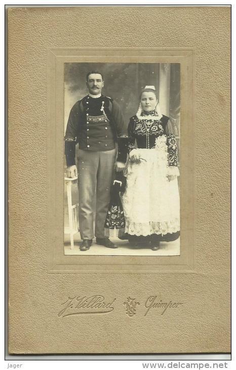 Cabinet Couple Breton En Tenue Tradionnelle Mariage ? Par