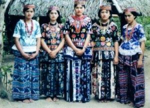 Baju Adat Maluku