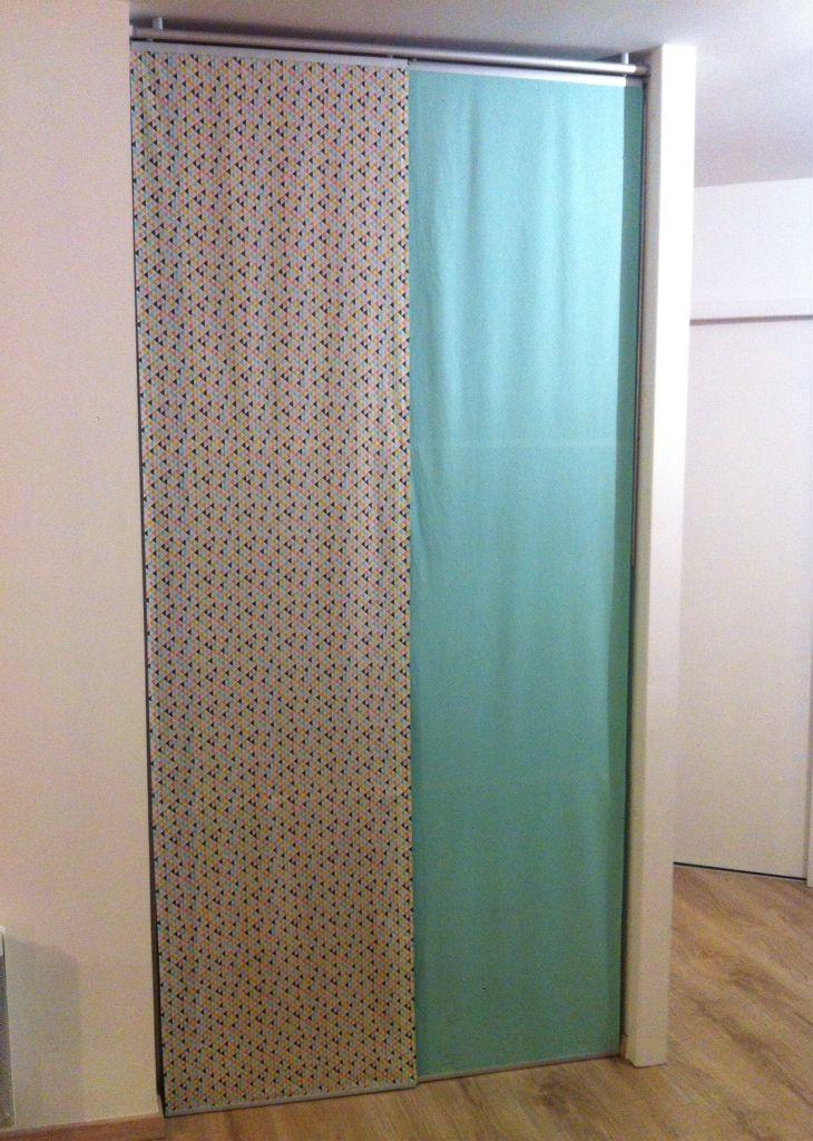 Des portes de placard en panneaux fait de tissus, monté sur rail - rail porte de placard
