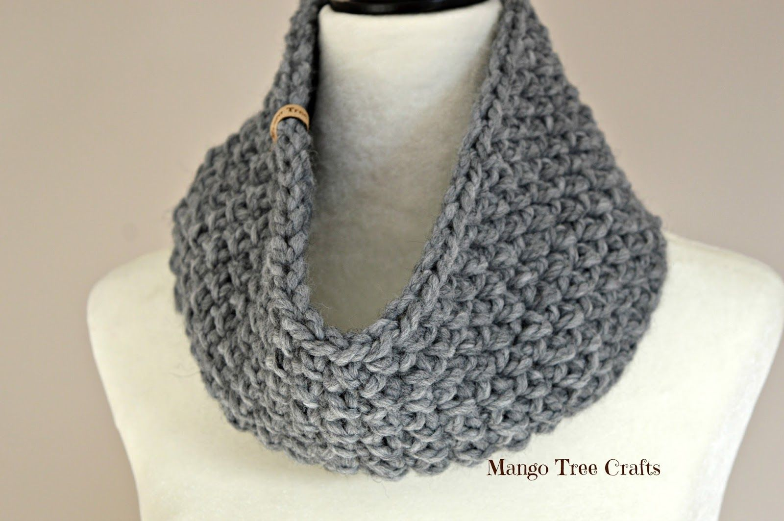 This bulky crochet cowl is fast and easy to make - I was able to ...