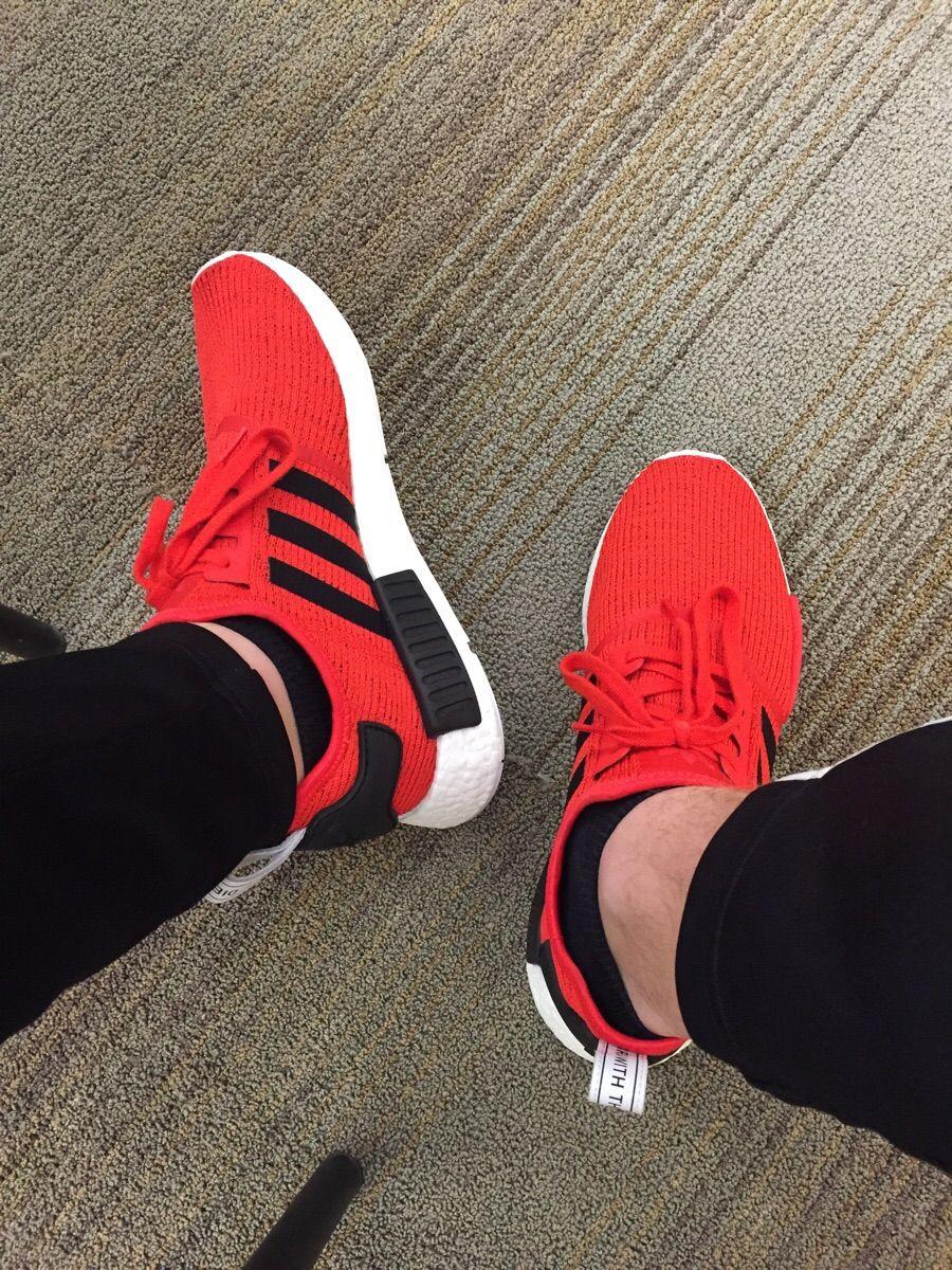 Wdywt] acabo de la Adidas NMD R1 núcleo rojo y no podría ser más feliz