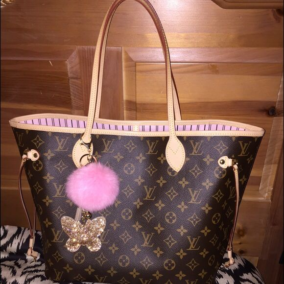 Spotted while shopping on Poshmark  price firm authentic bag only !   poshmark  fashion  shopping  style  Louis Vuitton  Handbags 68004cd1b8