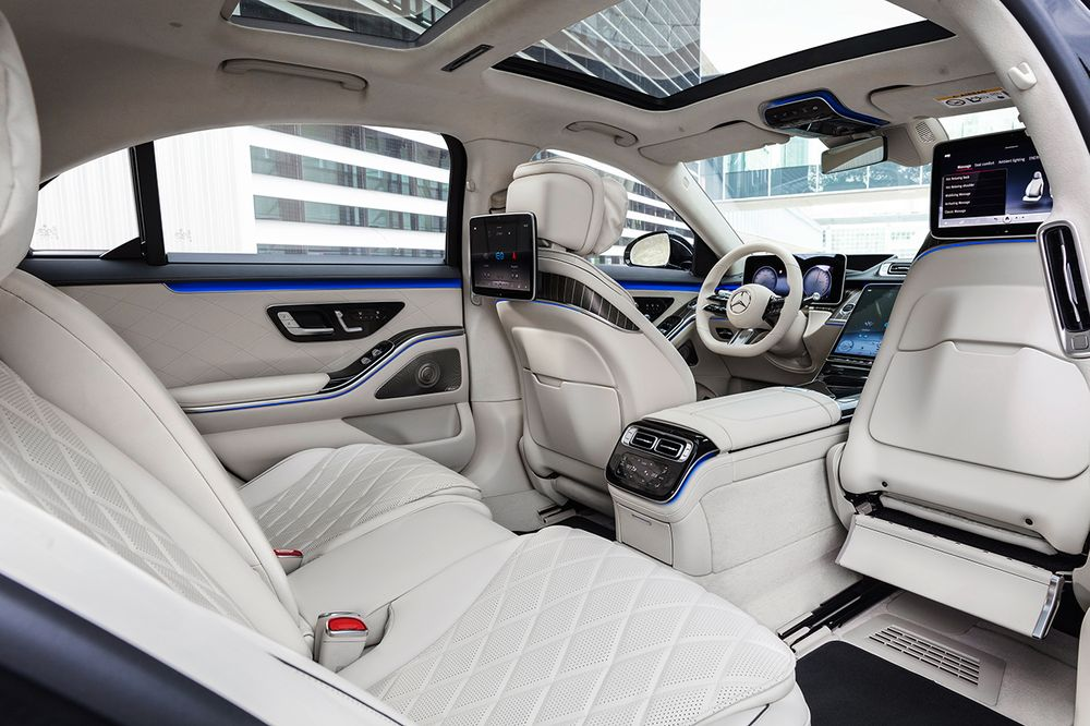 Photo of Mercedes-Benz Unveils Tech-Packed 2021 S-Class