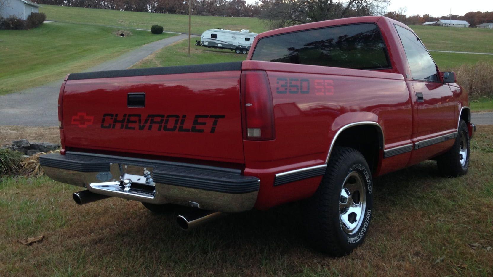 1988 Chevrolet Silverado Pickup presented as Lot S84 at