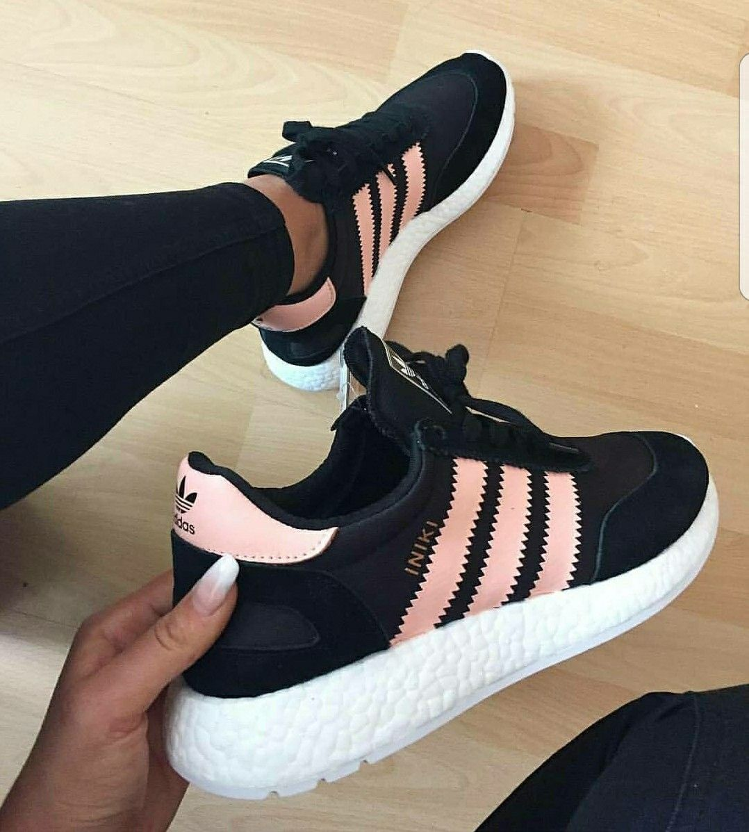 Pin by Maria Jose Madrigal on Outfits in 2019 | Zapatillas