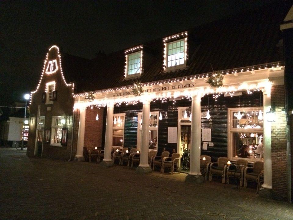 Het Huis Met De Pilaren in Bergen, Noord-Holland