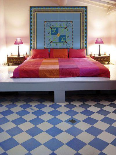 Captivating Chambre   Sol   Damier Bleu Et Crème   Pose Diagonale