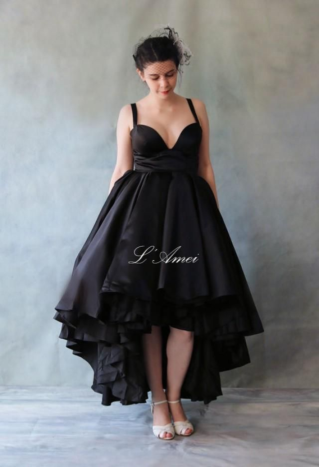 Beautiful Lace Up Back Wedding Dress The Choice Of Black Ivory Or Pure White