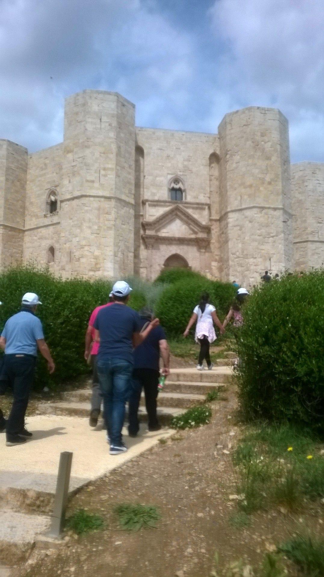 Castel del Monte ( Puglia italy) patrimonio UNESCO famoso per la sua forma ottagonale. fatto costruire da Federico II