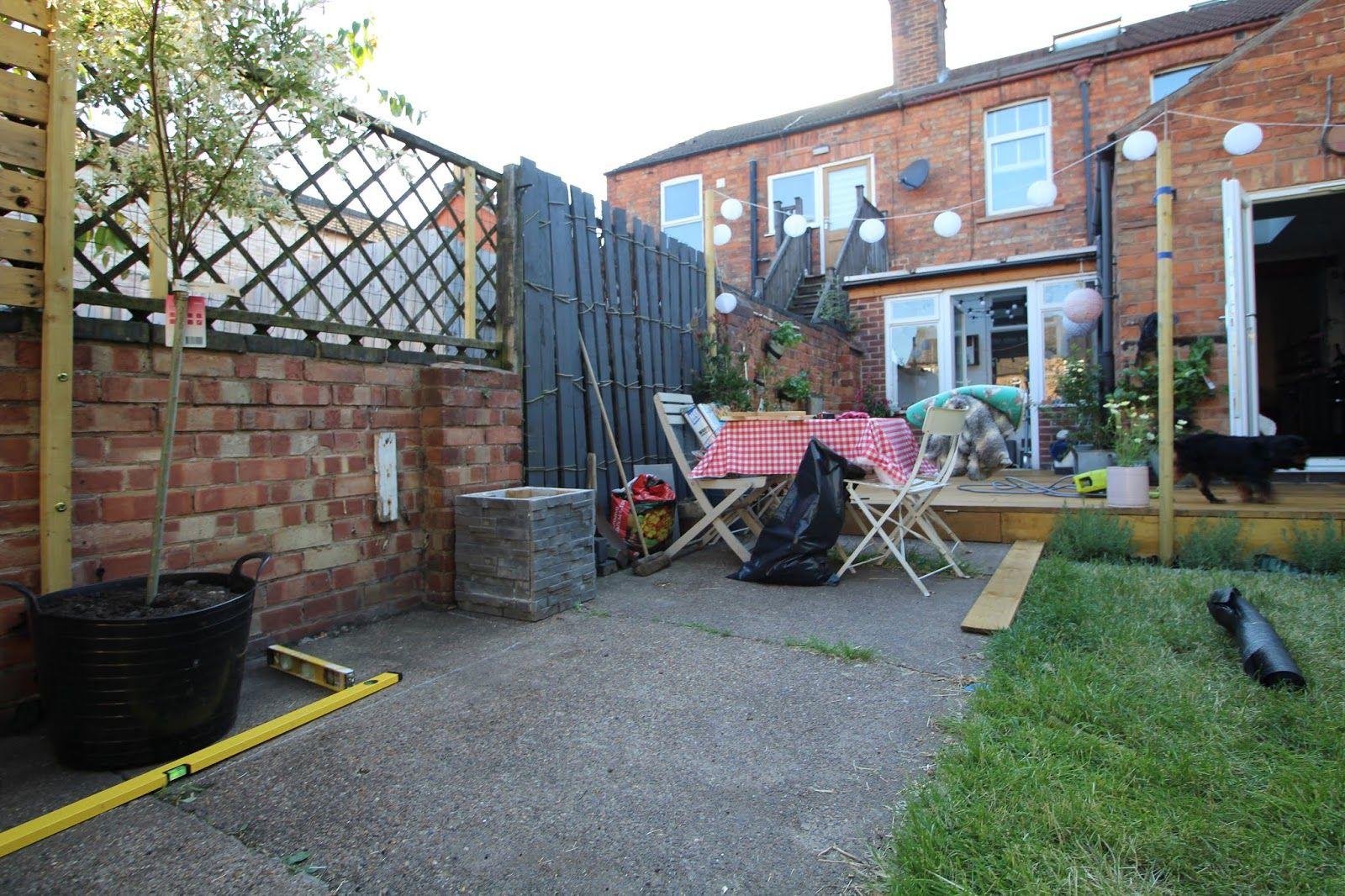 Laying Gravel In the Garden | Patio, Diy patio, Renovation
