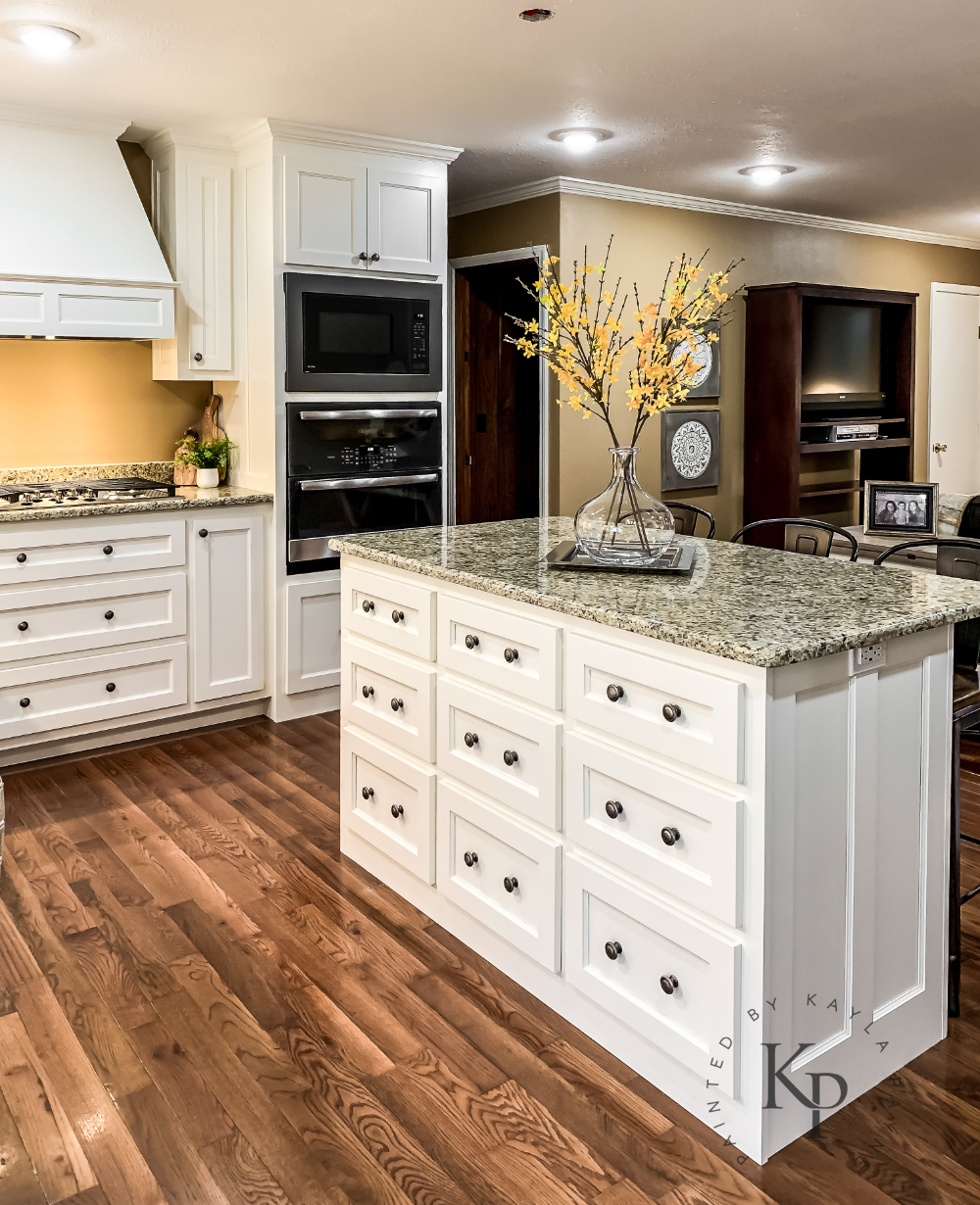 Kitchen Cabinets In Sherwin Williams Dover White In 2020 Sherwin Williams Dover White White Paint Colors Sherwin Williams Painting Kitchen Cabinets White