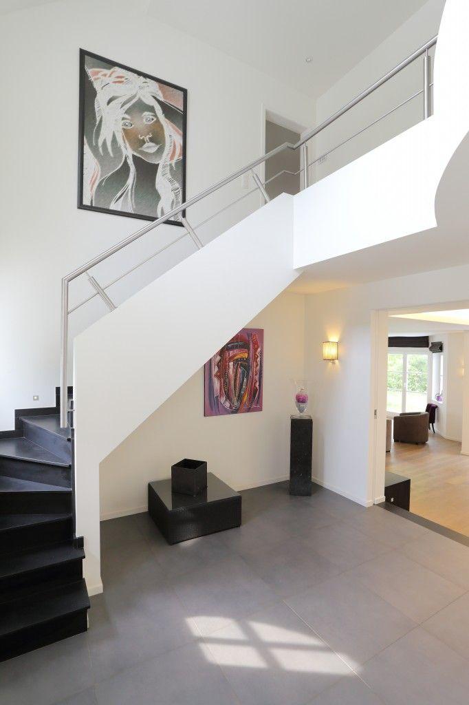 Construction neuve villa contemporaine Home Design Stair Railing - escalier interieur de villa
