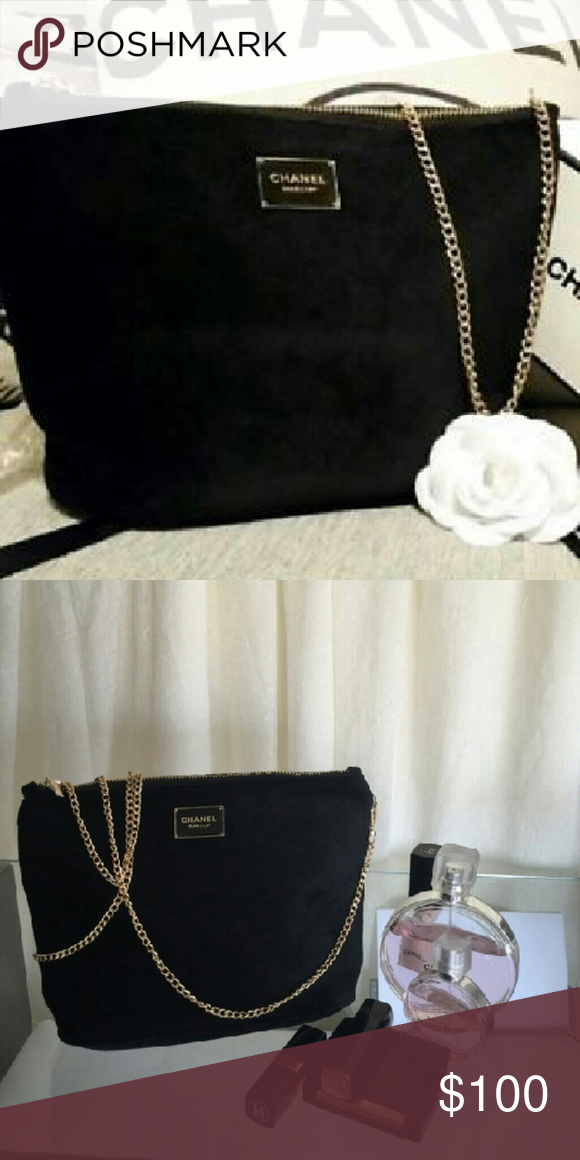 85a5f1513da0 Cosmetic Bag Chanel Makeup VIP GIFT velvet cosmetic bag with gold  detachable chain