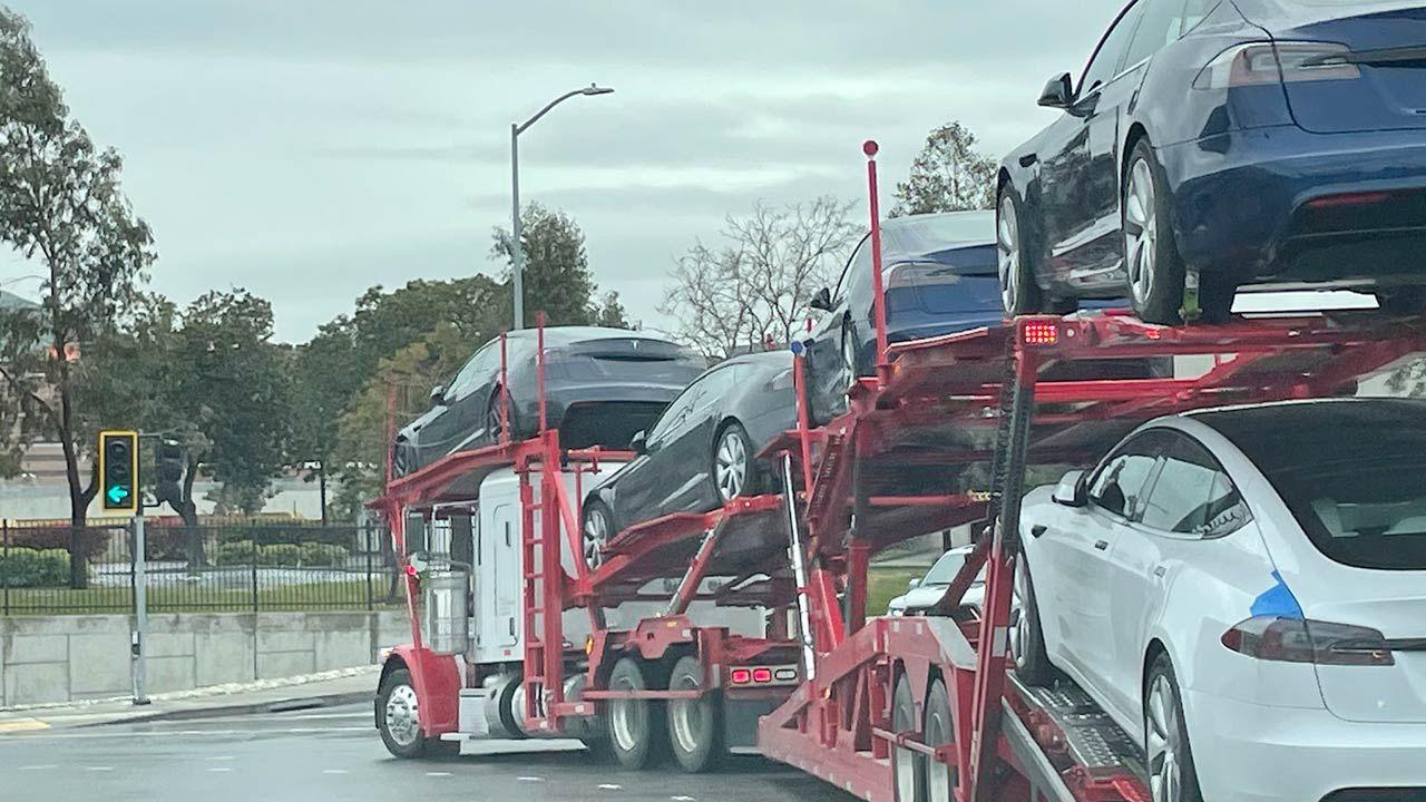 Q1 2021 Push Tesla Model S Refresh Cars Spotted Leaving The Fremont Factory In 2021 Tesla Model S Tesla Model Tesla