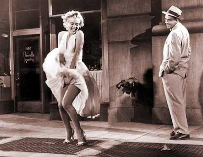 LA COMEZON DEL SEPTIMO AÑO ( la comezon del septimo año - George Axelrod) La  actriz Marilyn Monroe en u diseño de William … | Cine clasico, Marilyn  monroe, Imágenes
