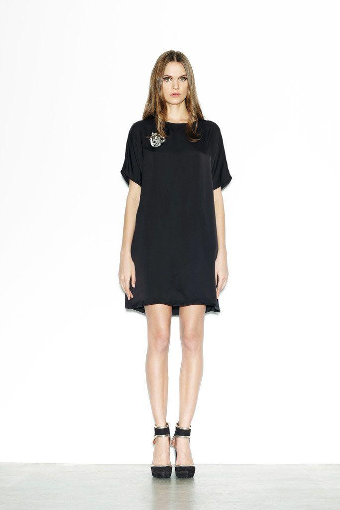 DKNY Resort 2012 Fashion Show - Regina Feoktistova