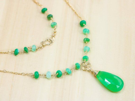 COLLIER CHRYSOPRASE and GOLD