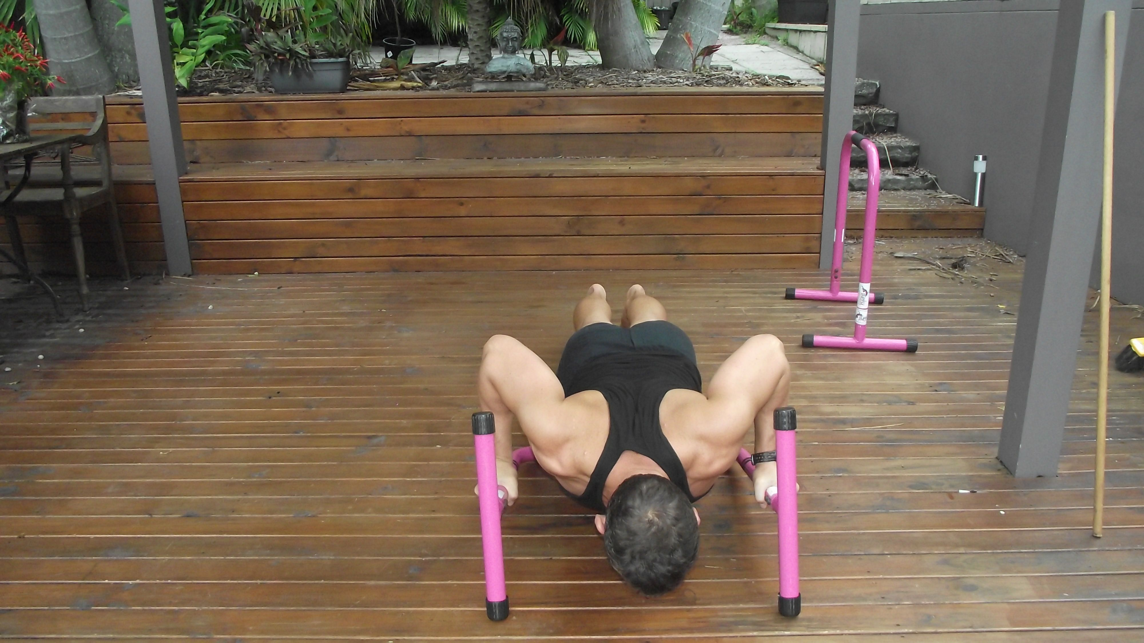 Pic B Equalizer Push Up Descended Position Pause At Bottom Of Push Up Squeeze Bar As You Ascend To Start Position Fitness Body Full Body Workout Lean Body