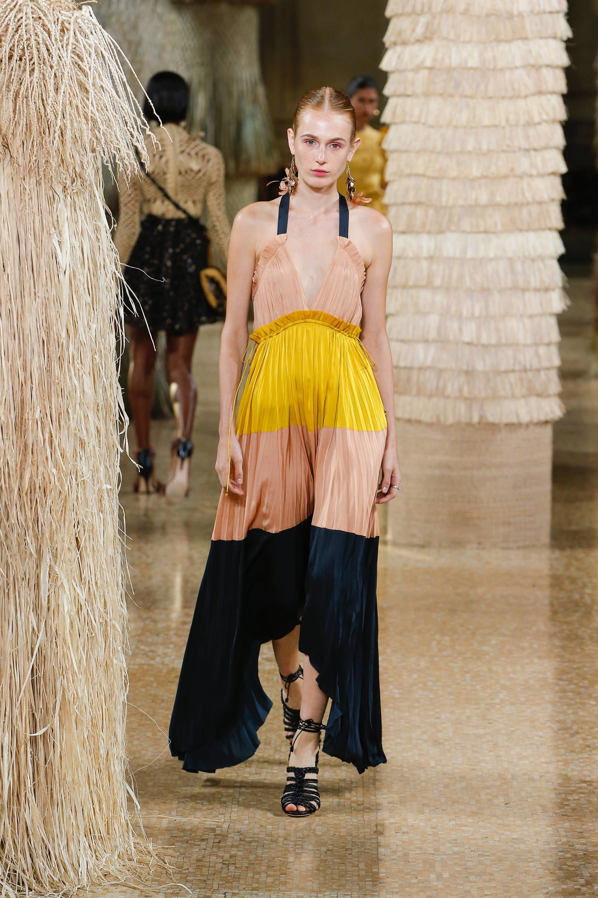 13fe4be38ac Ulla Johnson Spring 2019 Ready-to-Wear Fashion Show in 2019