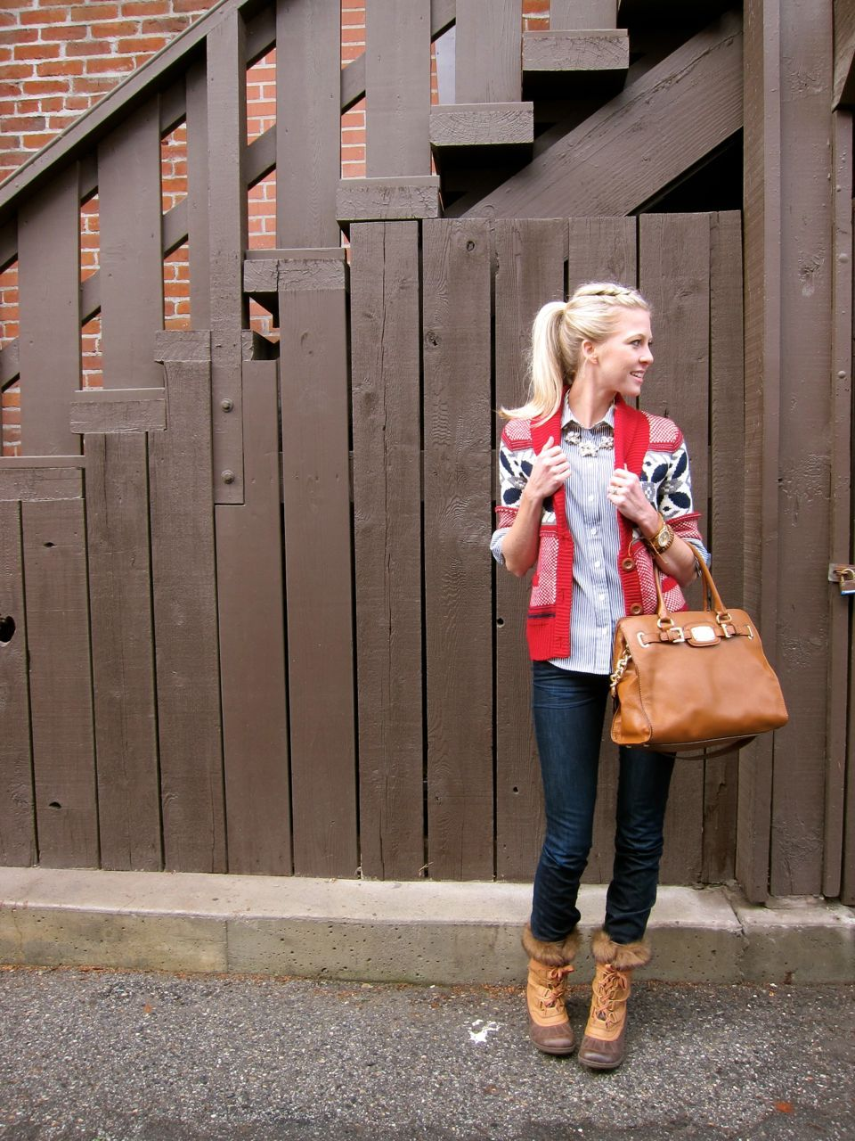 """oh little town of leavenworth @Erin Watkins I hope you don't mind me """"pinning"""" you!  I love this blog entry/outfit and thought I might get it going on Pinterest :)  Hope you're having a wonderful Christmas season!"""