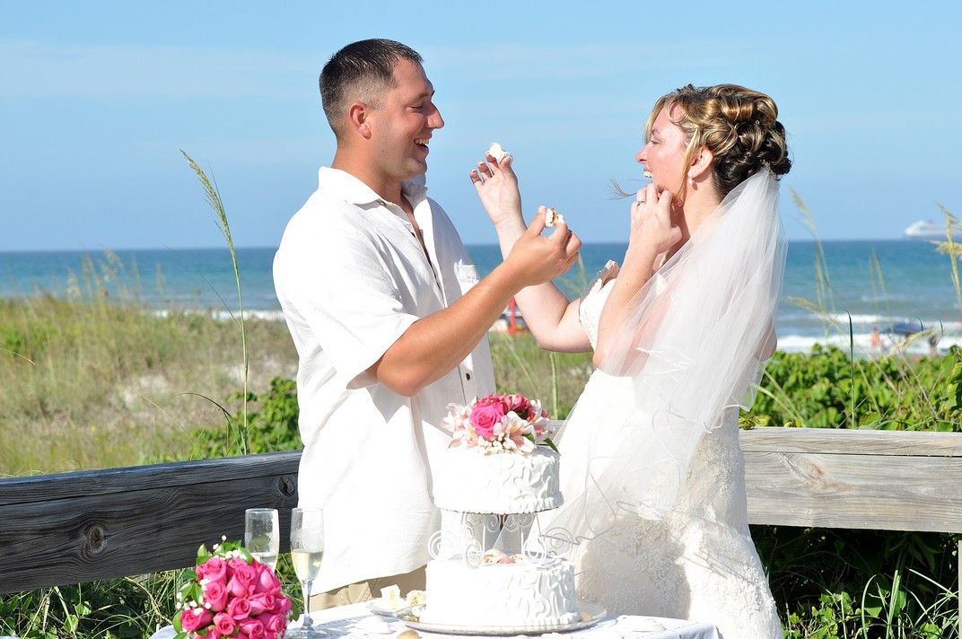 Beach wedding packages in Florida. www