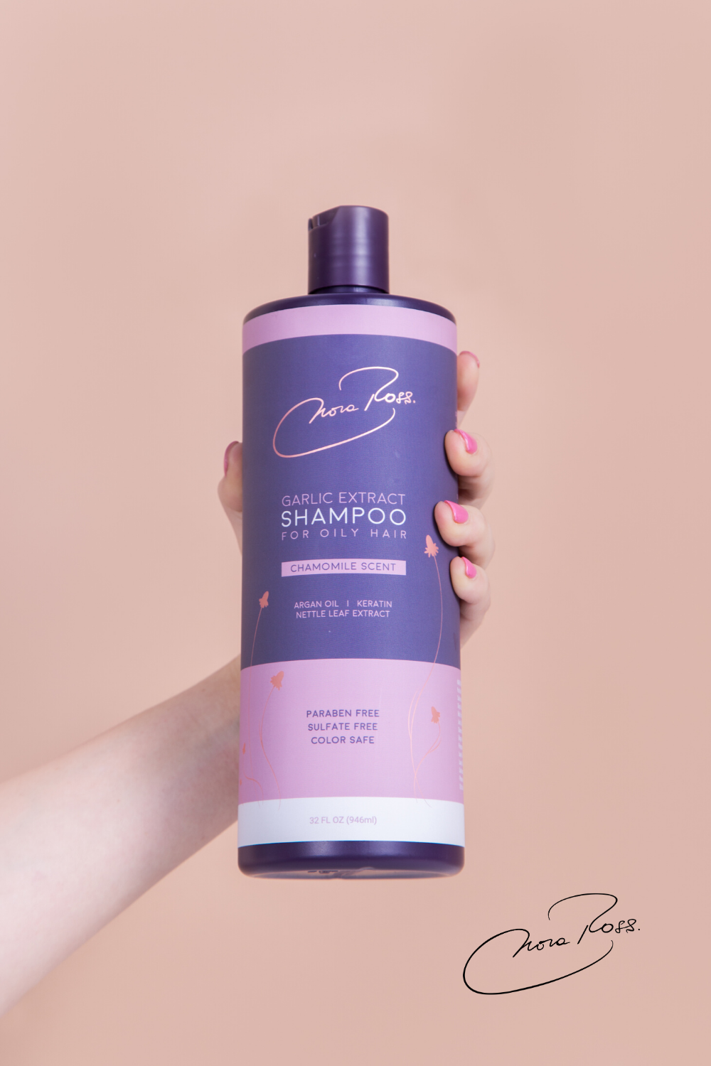 Our chamomile garlic extract shampoo for normal to dry hair eliminates brittle damaged hair, fights dandruff, and removes build-up at the roots, encouraging silkiness, reducing breakage, and hydrating for smooth hair. The effect? A frizz-free hair, full of movement, and more resistant to future damage. #beautifulhair #healthyhair #garlicextract #smoothhair #silkyhair #hydratedhair #HomeRemediesForSmoothHair