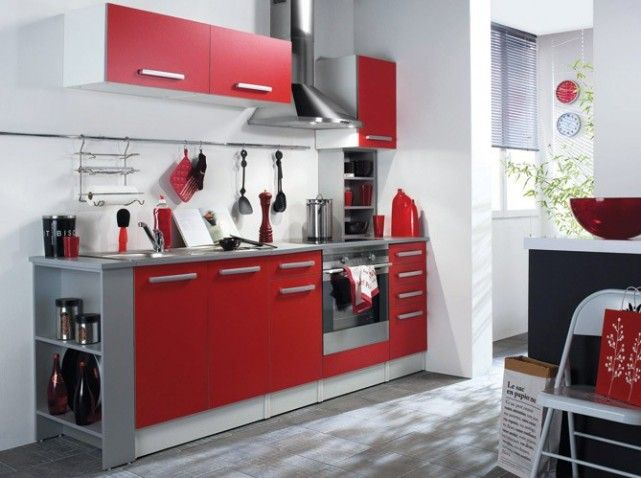 petite cuisine rouge my futur home pinterest cuisine. Black Bedroom Furniture Sets. Home Design Ideas