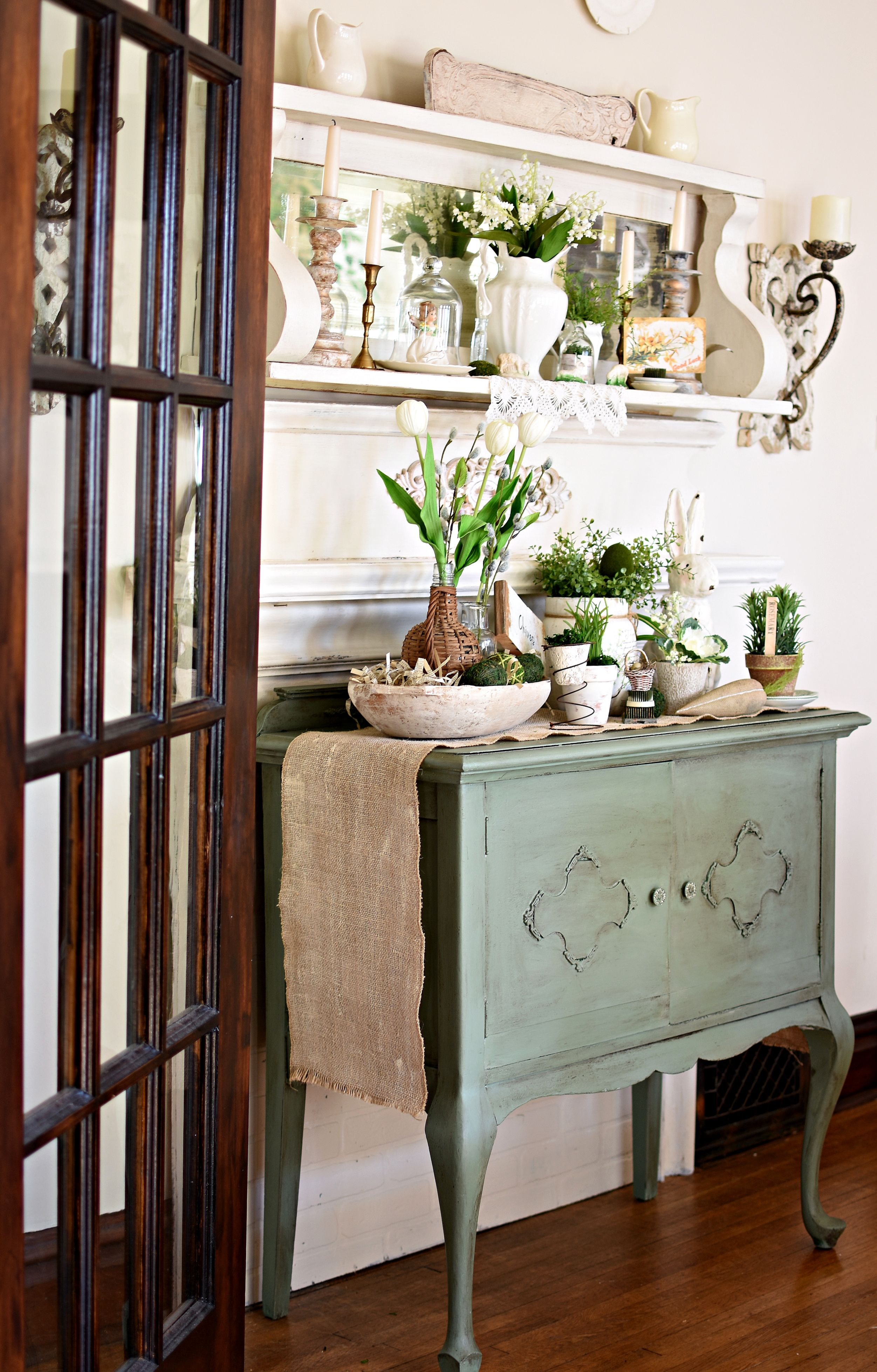Easy Spring Decorating With Bunnies, Birds, and Blooms
