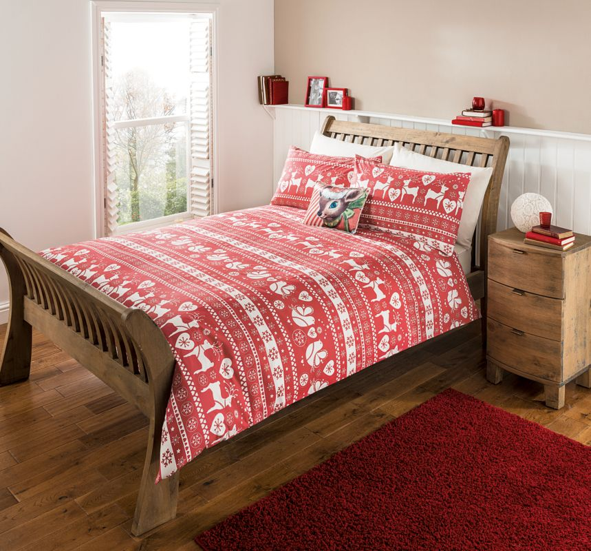Gorgeous Christmassy quilt cover  pillow slips!! The Most