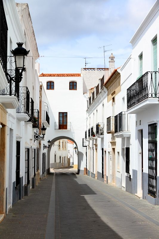 Street with an arch, Olivenza | Spain / by LusoFox #myshoestory #jcrew