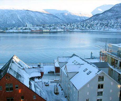 Northern Lights of Tromso, Norway http://www.aluxurytravelblog.com/2013/04/09/northern-lights-of-tromso-norway/ Beautiful, isn't it?!