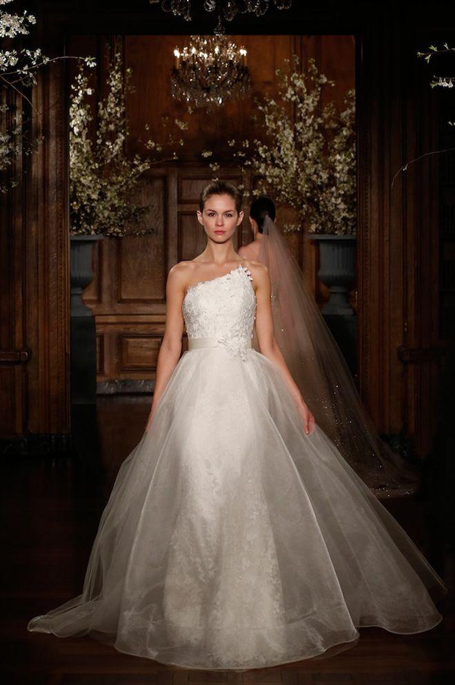 Wedding Dress - Belle the Magazine . The Wedding Blog For The ...